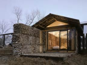 Make A Home Corrugated Fiberboard House Make Great Use Of Waste