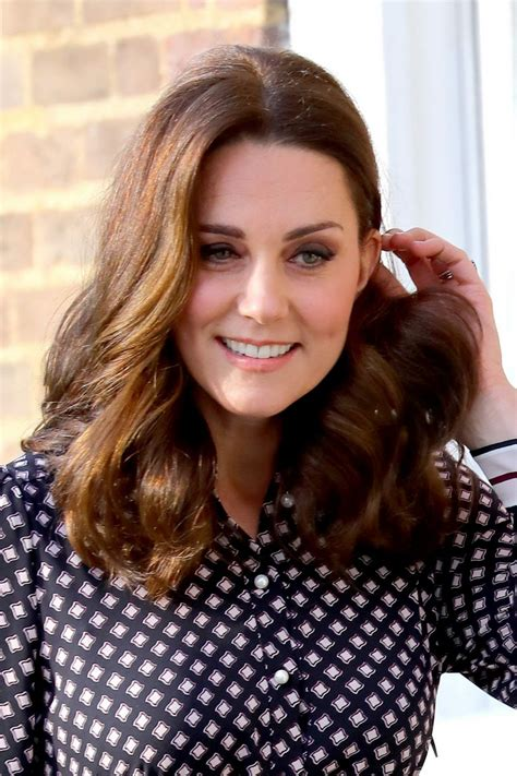 kate middleton archives page 3 of 11 hawtcelebs kate middleton at foundling museum in london 11 28 2017