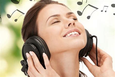 Mendengarkan Musik manfaat mendengarkan musik untuk kesehatan