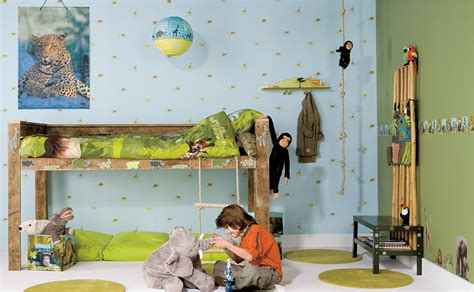 bücherregal nuss dekor kinderzimmer gestalten