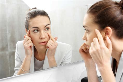 Saggy Solutions by 3 Nonsurgical Solutions For Saggy Droopy Eyelids