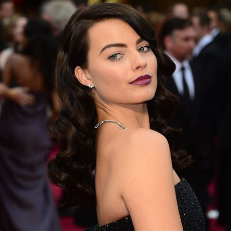 pictures of miss robbie many hairstyles margot robbie s hair and makeup at oscars 2014 popsugar
