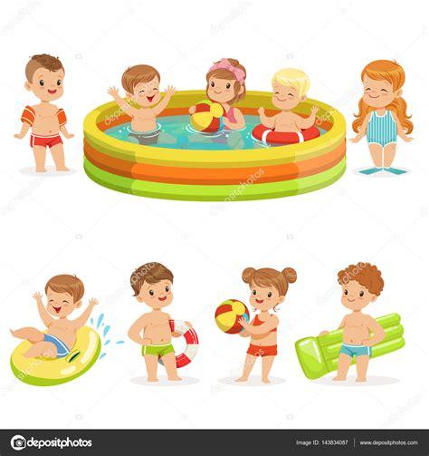imagenes de niños jugando con agua ni 241 os peque 241 os tener diversi 243 n en el agua de la piscina
