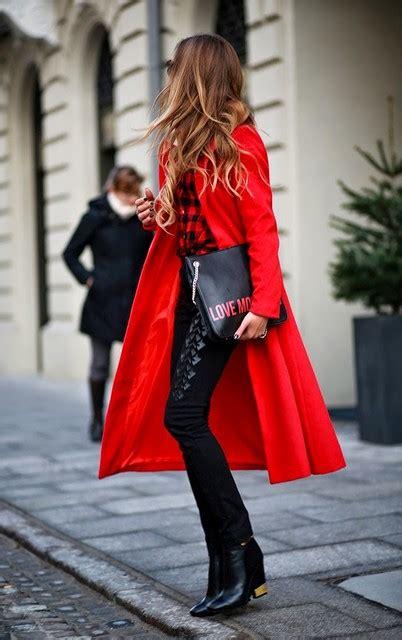 Amel Parka Maroon 蝣ta nositi ove zime 20 modernih i elegantnih kombinacija