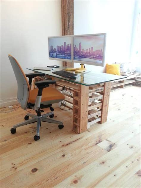 Office Pallet Desk With Glass Top Pallet Furniture Diy Diy Glass Desk