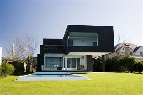 the black house andres remy arquitectos archdaily