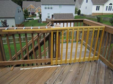 sliding deck gate    gate    open
