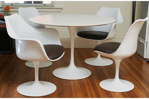 25 best ideas of coffee shop table and chairs