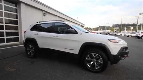 jeep cherokee trailhawk white 2015 jeep cherokee trailhawk white fw502843 mt