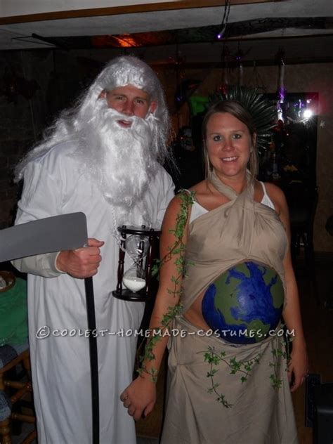awesome halloween costumes  pregnant couples