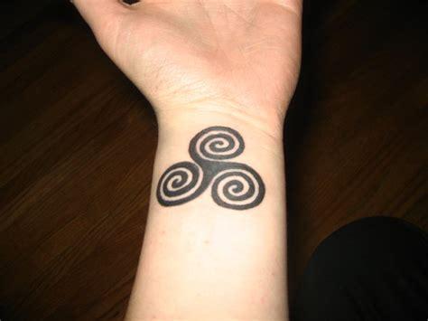 triple spiral tattoo spiral by gunparade on deviantart