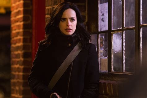 film marvel jessica jones first official look at mike colter as luke cage in marvel