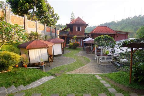 Bantal Guling bantal guling villa lembang pergidulu