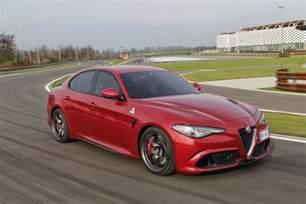 Quadrifoglio Alfa Romeo 2016 Alfa Romeo Giulia Quadrifoglio Review Caradvice
