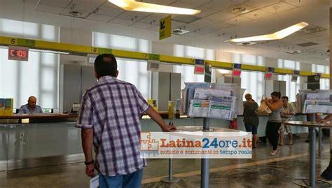 ufficio postale formia lunga attesa allo sportello poste italiane attiva il wi