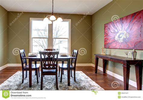 pittura sala da pranzo sala da pranzo con le pareti verdi e la pittura rossa