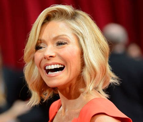 kelly ripa takes away daughter s phone computer kelly ripa on relationship with daughter i m not your