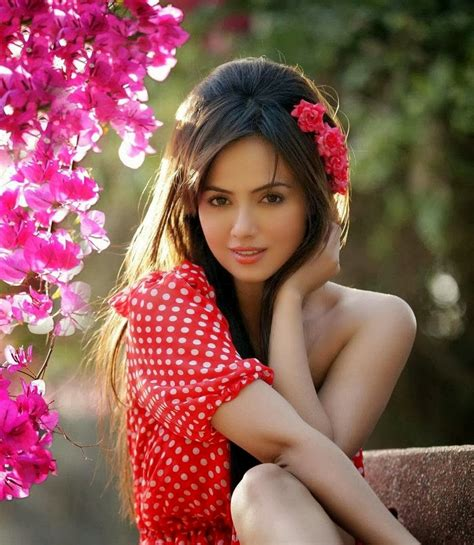 lollywood actress gallery pakistani actress sana khan