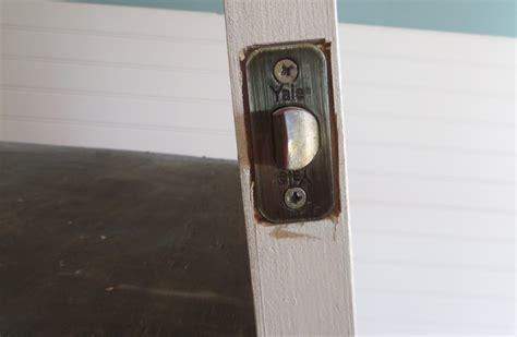 Door Knob No Screws by Doorknob Removal With No Visible Screws Diygirlcave