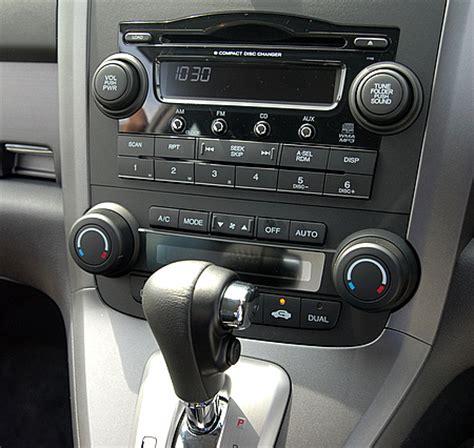 Dashboard Crv 04 05 2007 honda cr v test drive report