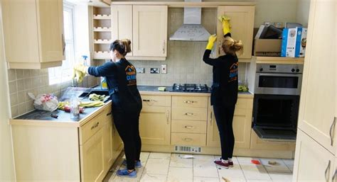 cleaning kitchen kitchen cleaning london premium clean