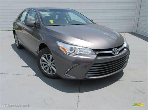 Grey Toyota Camry 2015 Predawn Gray Mica Toyota Camry Le 104096204