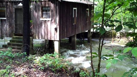 water flowing cabin pigeon river in pittman