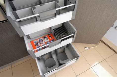 cassetti scorrevoli per cucine stunning cassetti scorrevoli cucina images acomo us