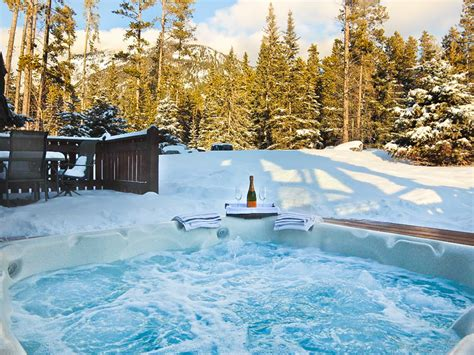 Banff Cabins With Tub by 7 Stunning Banff Cabins That Will Rock Your World Travel