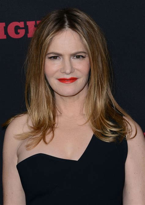 jennifer jason leigh new show jennifer jason leigh at the hateful eight premiere in los