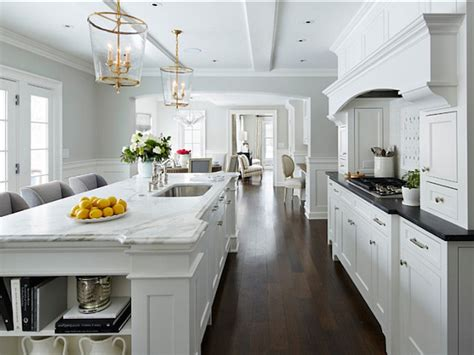 Kitchen Countertops With White Cabinets by White Kitchen Cabinets White Countertops Design Ideas