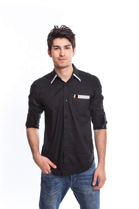 Lucky Kaos Simple Casual Bagus Murah tips berpakaian casual untuk pria masa kini produksi kaos produsen baju kaos murah