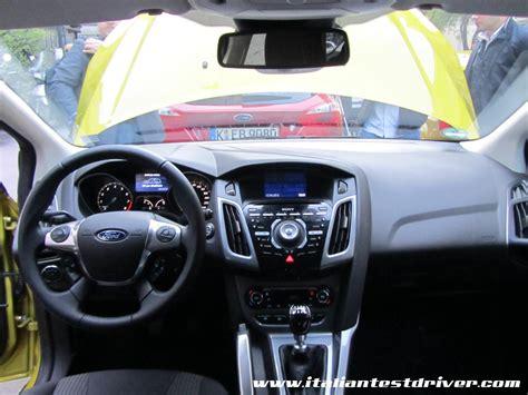 interni ford focus test drive ford focus econetic 5 porte e wagon 1 0
