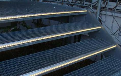beleuchtung treppenstufen aussen led treppenlicht treppenstufenprofile treppen profile