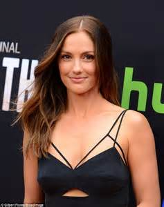 36 year old hollywood actressses minka kelly stuns in black cut out dress for the path in