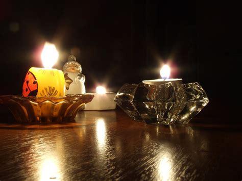 a lume di candela a lume di candela fotografia 1417817 freeimages