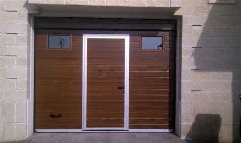 puerta de cochera foto sustitucion de puerta enrollable de cochera por