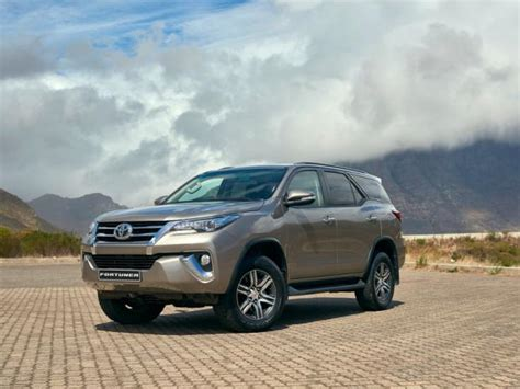 Toyota Fortuner Vrz 2 4 At 2016 2018 toyota fortuner 2 4 vrz at 4x4 price reviews and
