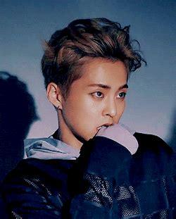 download mp3 xiumin exo walking on memories mp3 exo react to their gf wanting to