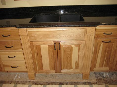 how to finish the top of kitchen cabinets exles of work