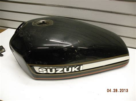 Suzuki Fuel Tank Suzuki Gs 1000 E Gas Fuel Tank Clean Orig Paint Gs1000