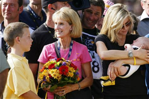 Lance Armstrong Hosts Backyard Bash by Hansen Pictures Photos Images Zimbio
