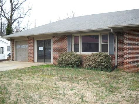 houses for sale in woodruff sc 470 wedgewood dr woodruff sc 29388 reo home details reo properties and bank owned