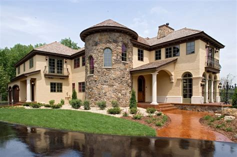 Tuscan Homes get italian appeal with these attractive tuscan style