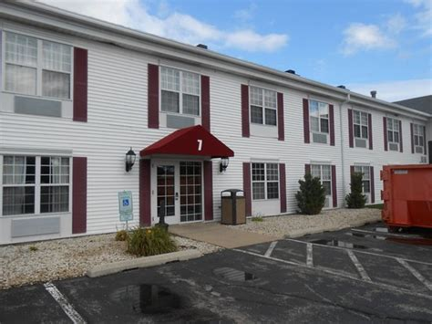 Comfort Inn Fond Du Lac by Rear Entrance Entrance Is Around Back Picture Of