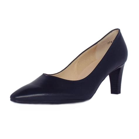 kaiser pointed toe low heel shoes in navy leather