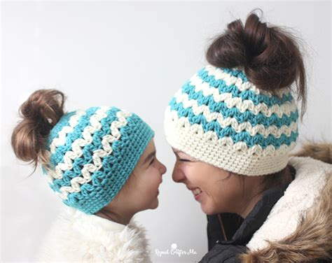 19 cool beanie designs and free hat patterns tip junkie free crochet messy bun pattern roundup