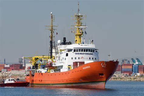 aquarius bateau youtube une majorit 233 de fran 231 ais contre l accueil de l aquarius