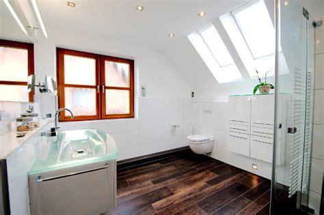 fliesen fürs bad günstig badezimmer badezimmer wei 223 holz badezimmer wei 223