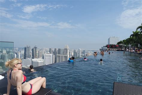infinity pool marina bay marina bay sands world s largest rooftop infinity pool